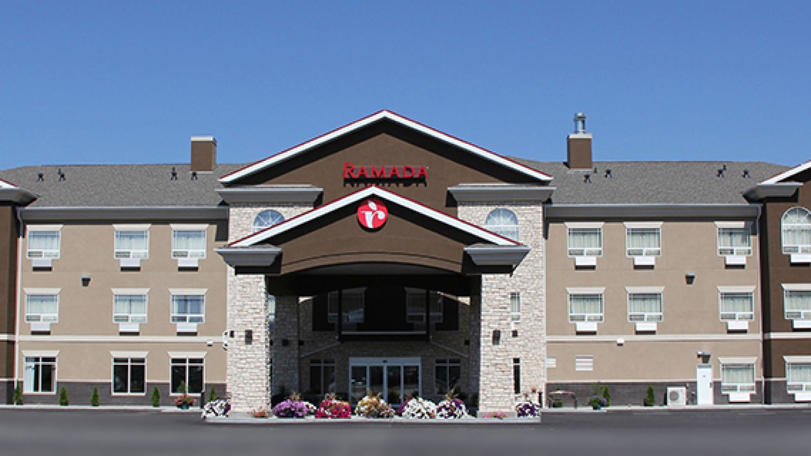 The Ramada Creston welcomes you.