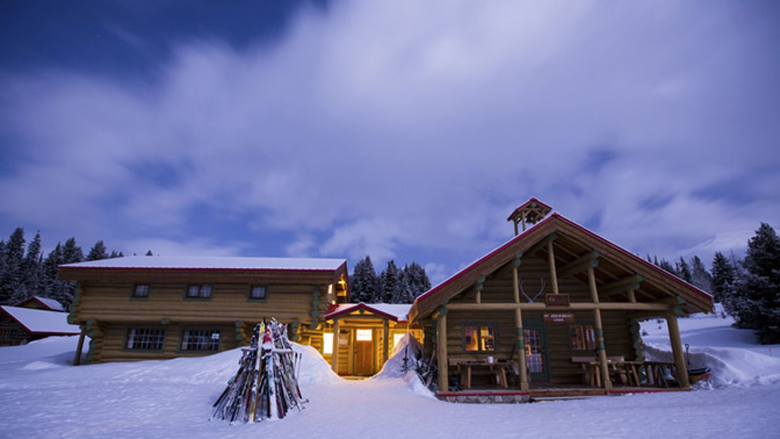 The full-service lodge welcomes 30 guests.