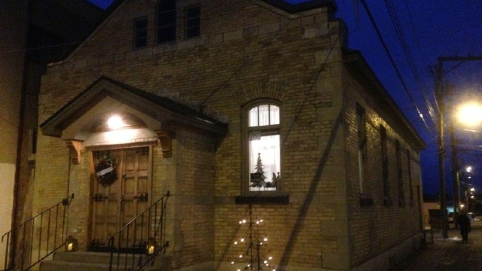 Eye of the Needle Art Shop, Gallery and Studio.
