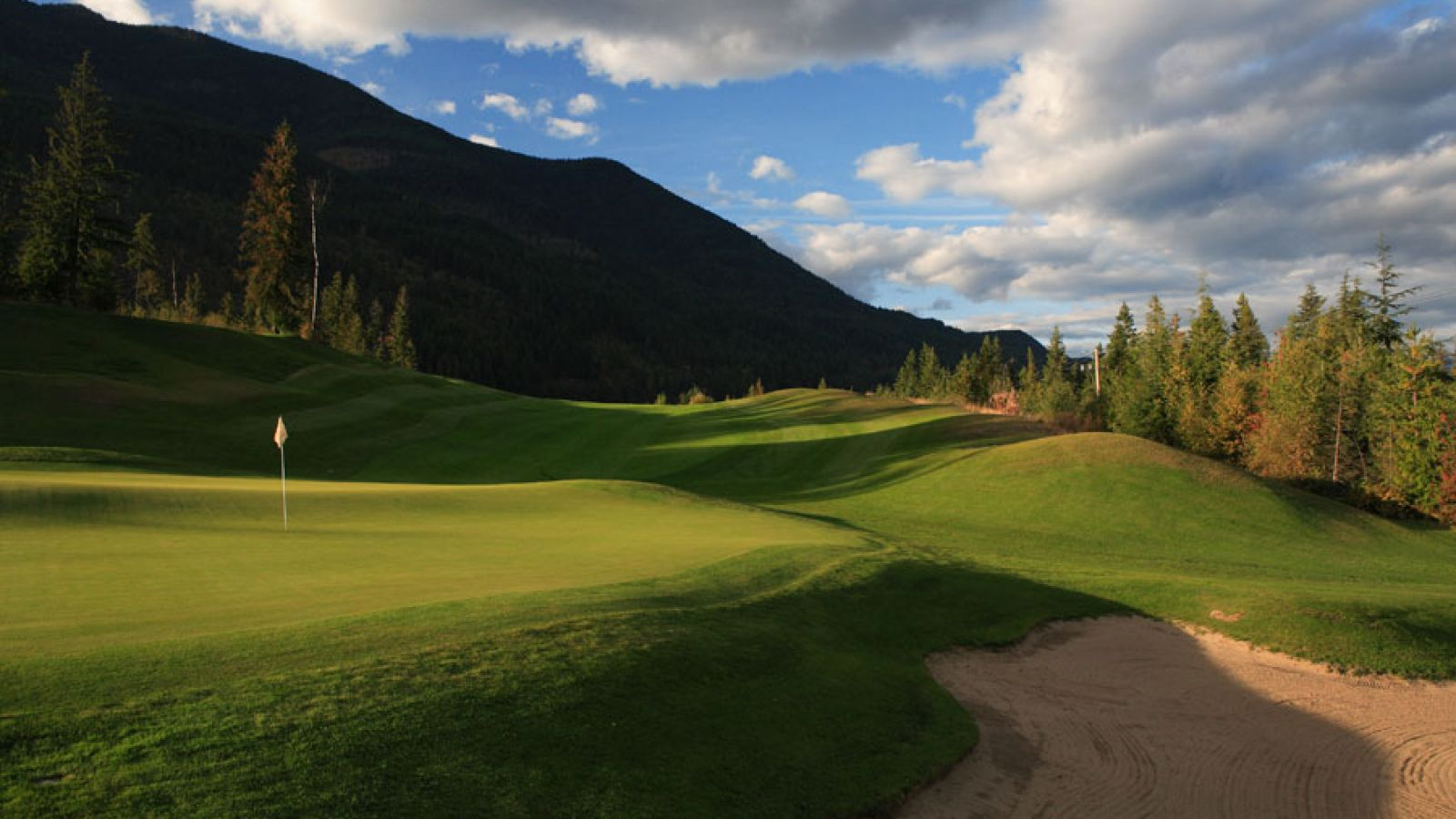 Nearby Balfour, Nelson and Kokanee Springs Golf Courses.