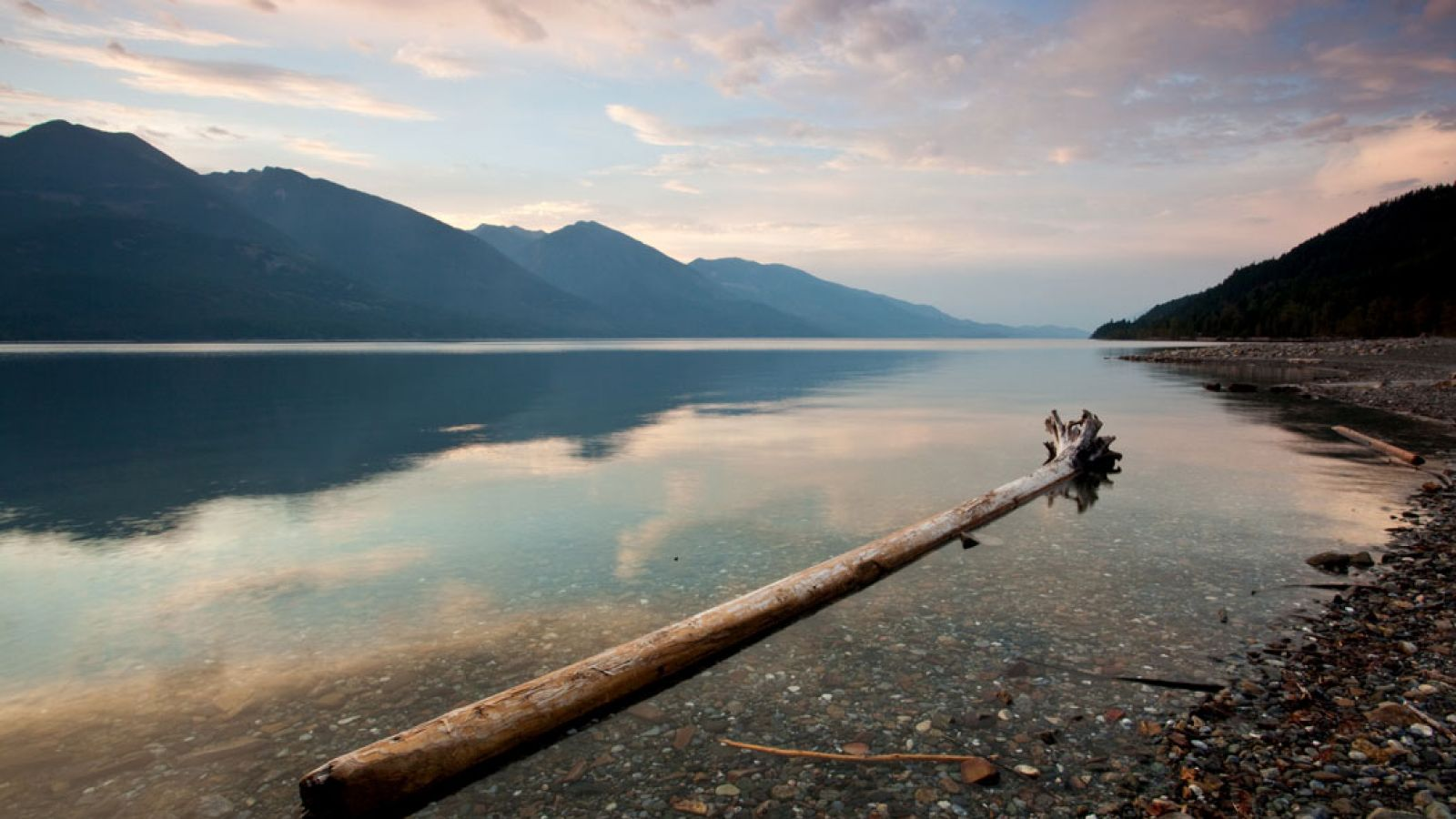 A sunset at Kootenay Lake.