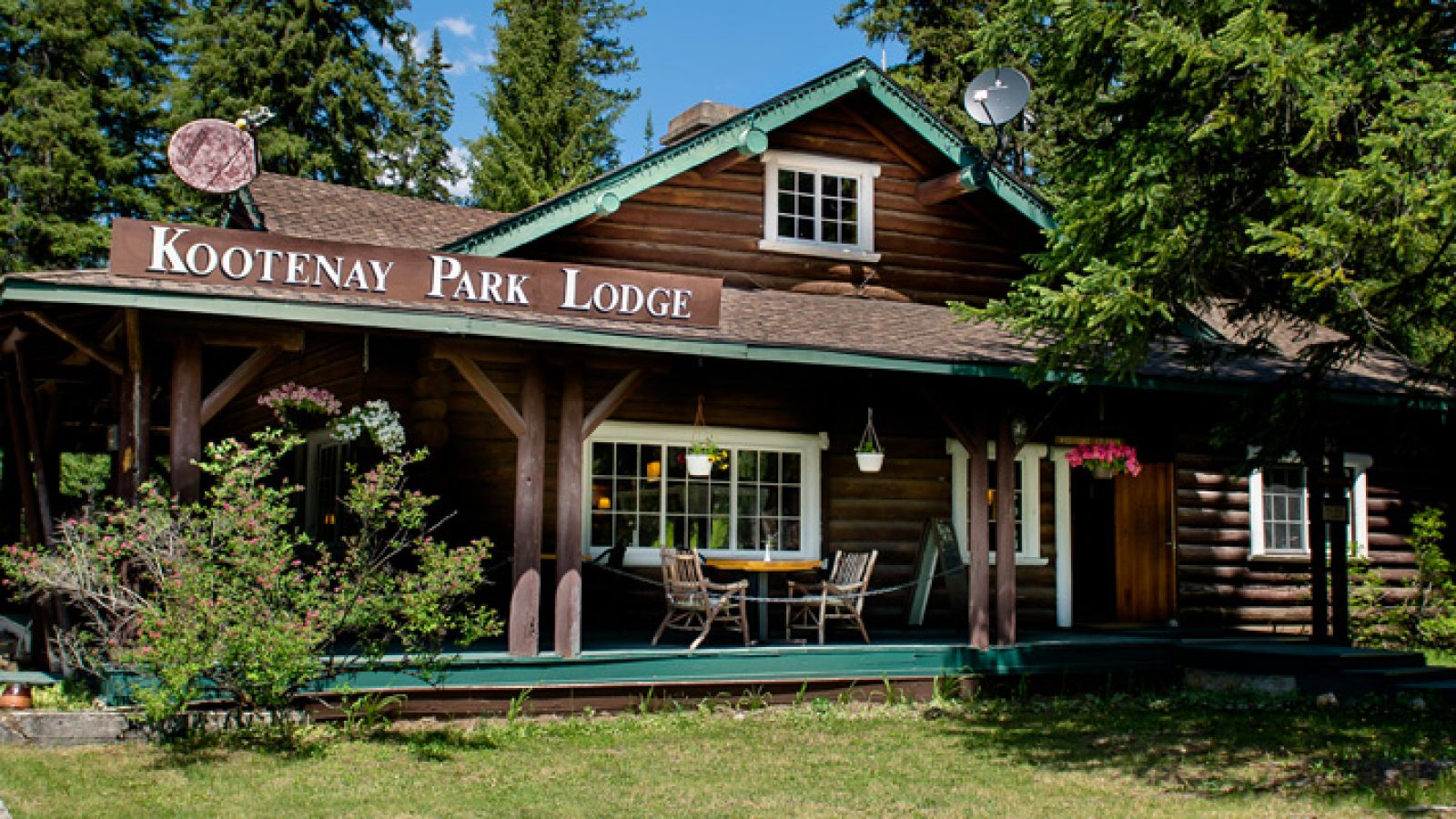 Welcome to the Kootenay Park Lodge.