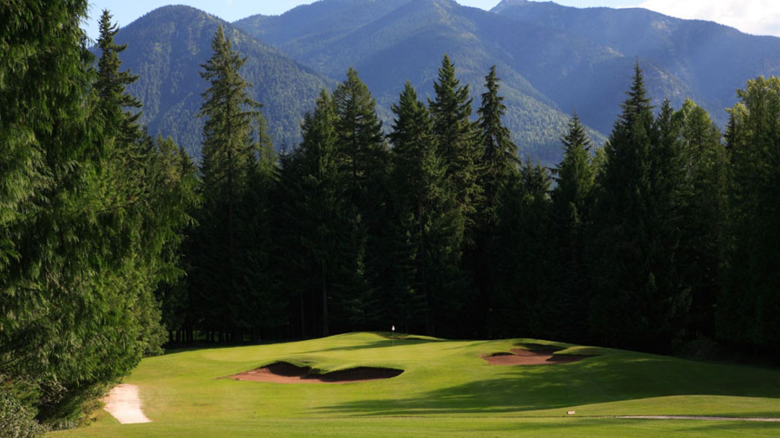 A world-class golf course carved out of spectacular mountainous terrain.