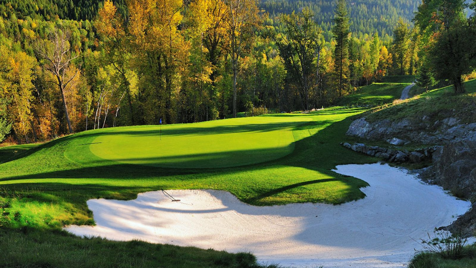 Fall is a great time of year to golf.