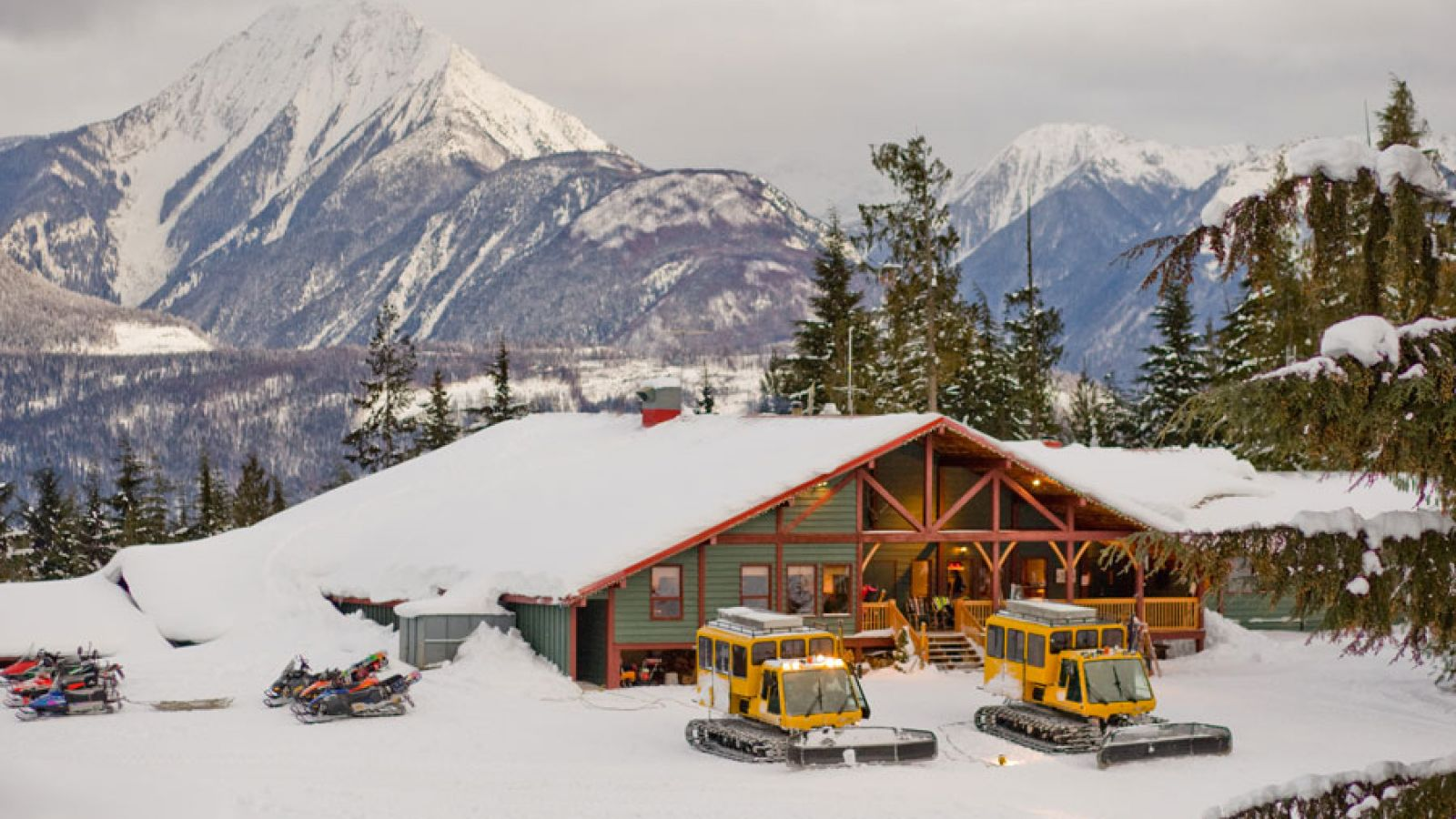 Guests are taken by snowcat to a private lodge at 4,200 ft.