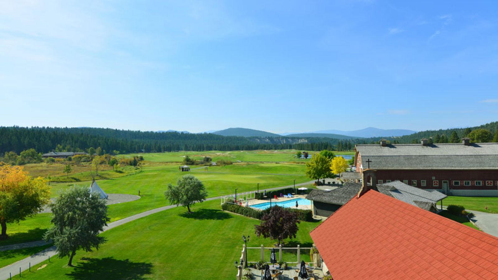 Many amenities are offered including a heated outdoor pool and world-class golf course.