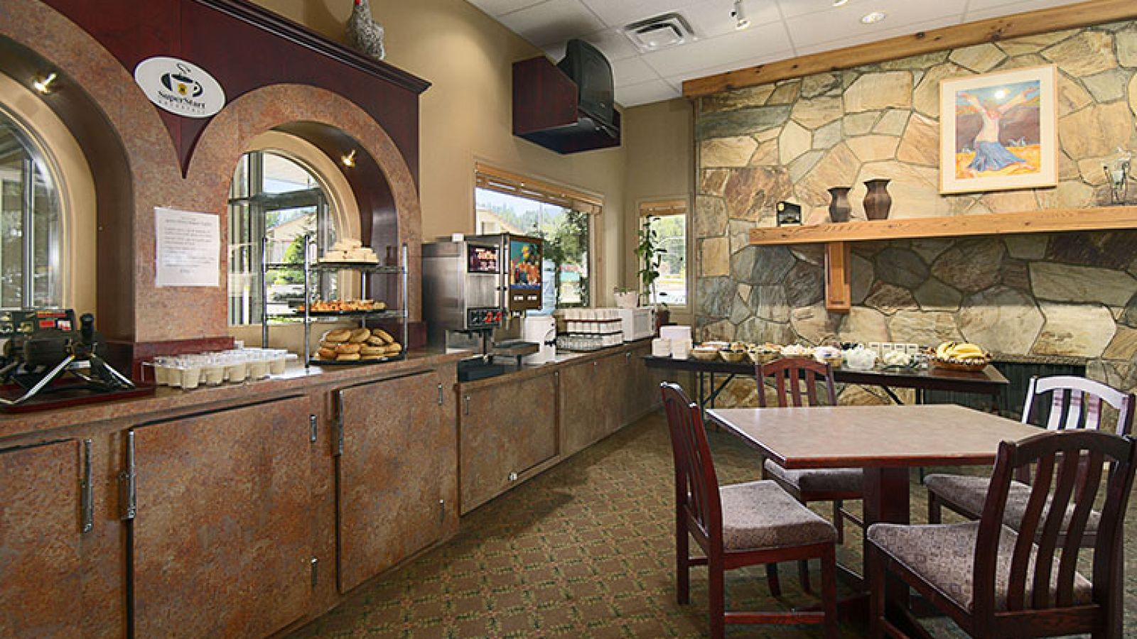 A complimentary breakfast is included with overnight stays.
