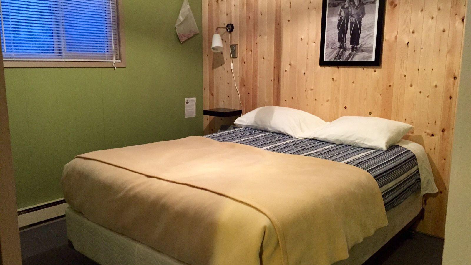 Rossland Motel Bedroom