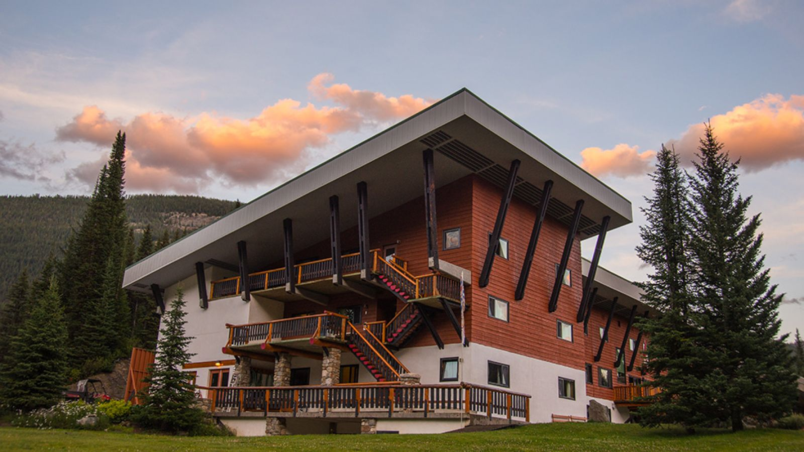 Bugaboo Lodge; Lyle Grisedale photo