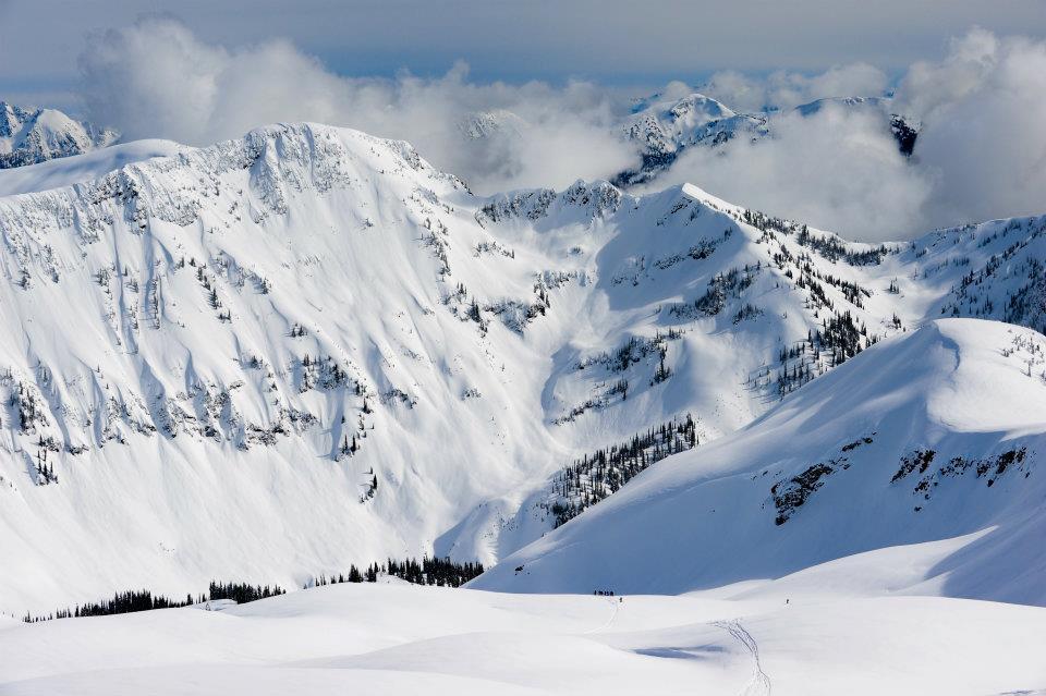Selkirk Tangiers Heli-Skiing in Revelstoke BC